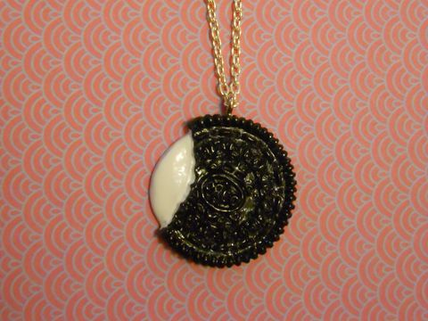 Oreo,Biscuit,Necklace,Super kawaii food brown white half eaten Oreo cookie biscuit pendant silver gold necklace chain cute pendant