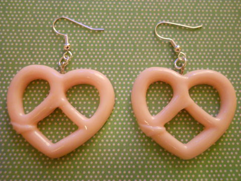 Pink,Pretzel,Earrings,Super kawaii food large baby pink pretzel shape silver earrings cute pendant