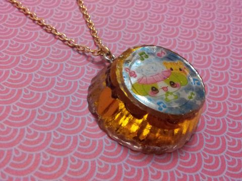 SUPER,Sparkly,Gold,LoveHeart,Round,Kawaii,Rabbit,and,Cat,Necklace,Unbelievably sparkly and eye-catching circular resin necklace pendant filled with super sparkly gold heart-shaped glitter confetti and featuring a kawaii rabbit and cat image.pendant silver gold necklace chain cute pendant