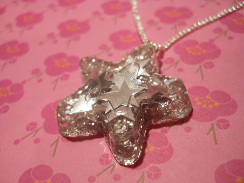 Super,Shiny,SIlver,Star,Confetti,Necklace,Super shiny star-shaped resin necklace pendant filled with ultra sparkly silver star-shaped confetti glitter. pendant silver gold necklace chain cute pendant