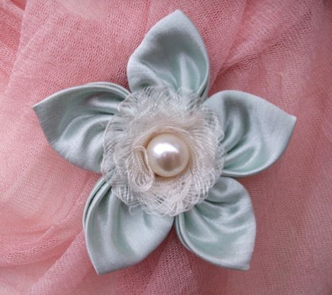 'Dewey,Laces',Silk,Brooch,brooch,silk,wedding,hemp,ethical brooch,wedding accessory, bobbies boutique