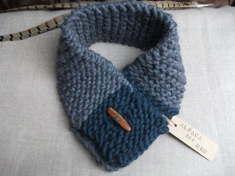Knitting Pattern For Alpaca Scarf : Holly Green Alpaca Scarf - Bobbies Boutique