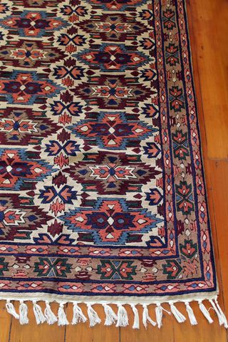 Kashmiri,hand,embroidered,wool,rug,-,tribal,medallion, embrodery, wool, crewel, throw, wall hanging