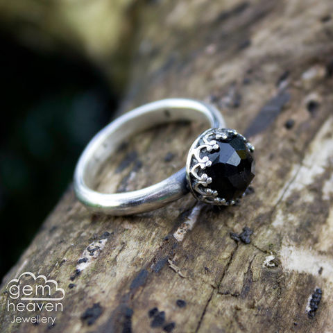 Elegance,ring,Jewellery, Ring, sterling silver,  silver ring, silver  and onyx, solitaire ring, hammered ring, uk made ,gemheaven jewellery, gemstone ring, gemstone jewellery, handforged ring, black onyx ring, gothic ring, black gemstone ring, black faceted stone