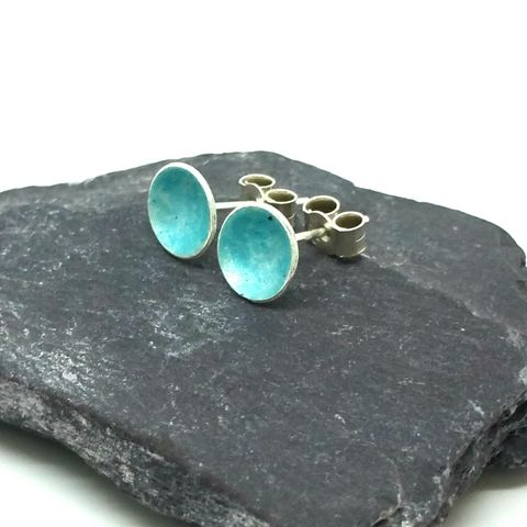 Turquoise,Round,Enamel,Stud,Earrings,MaisyPlum, blue enamel earrings, turquoise enamel studs, round, circular earrings, enamel stud earrings, fused glass earrings, jewelry enamel, enamel jewellery, dainty earrings, daytime studs