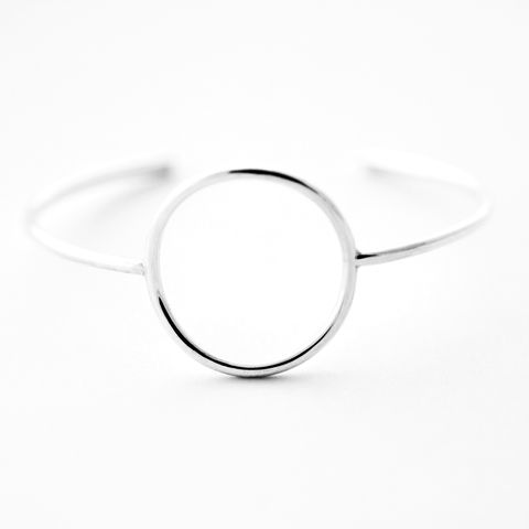 Open,Circle,Sterling,Silver,Cuff,Bracelet,Hammered silver cuff bracelet, minimal silver cuff,handcrafted jewellery, simple silver Bracelet, layering bracelet,sterling silver bracelet,modern silver cuff,minimalist design,minimalist cuff, heavy gauge, modern jewellery uk, modern jewelry, gift for w