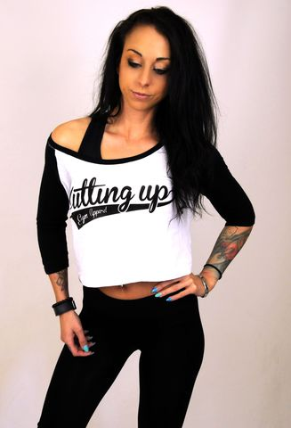 CROPPED,3/4,RAGLAN,T-SHIRT,WITH,PUFF,PRINT,SCRIPT,LOGO,Crop top,cropped top