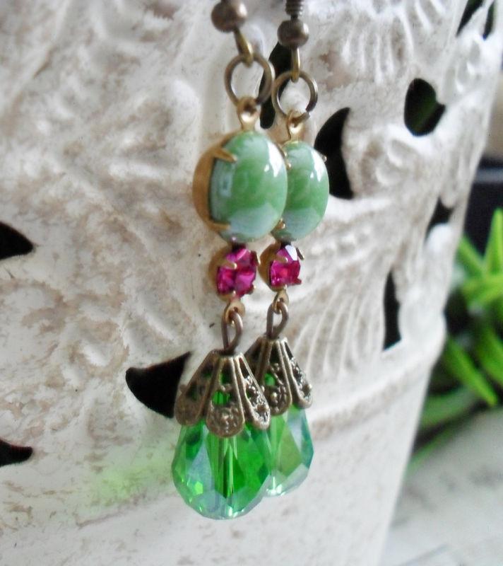 Vintage green glass dangle earrings