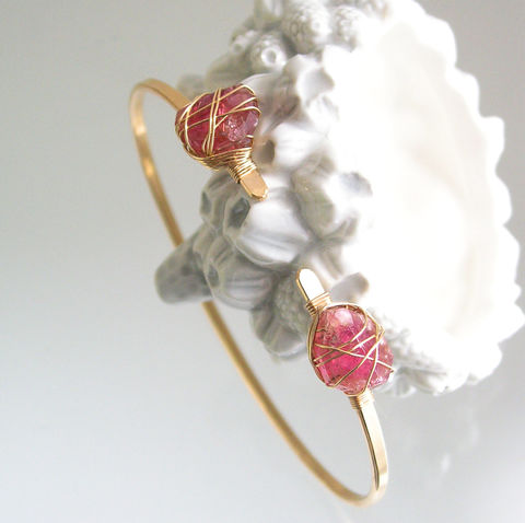 Pink,Tourmaline,14k,Gold,Filled,Bangle,,Rough,Gemstone,Wire,Wrapped,Minimalist,Design,Jewelry,Bracelet,Pink_Tourmaline,Gold_Filled_Bangle,Wire_Wrapped_Jewelry,Minimalist_Design,Artisan_Made,Original_Design,Rough_Gemstone,Gemstone_Bangle,Tourmaline_Bracelet,Bellajewels,Rough_Tourmaline,Stackable_Bracelet,Modern_Jewelry,14k gold filled wire