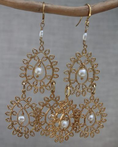 orecchini,Favignana,con,perle,orecchini piuma, feathers earrings, feathers, orecchini perle, pearls earrings
