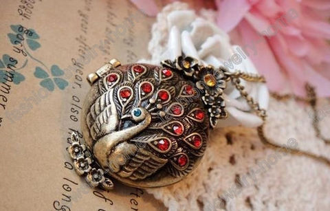 Bronze,Peacock,Locket,Magnetic,Necklace,peacock locket, magnetic locket, peacock necklace, peacock jewelry