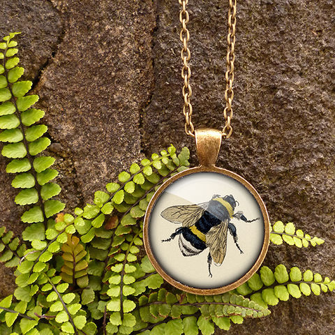 Vintage,Bee,Large,Necklace,(ER04),jewellery, jewelry, handmade, brass, necklace, vintage, bee, honey, insect, glass, cabochon, steampunk, victorian