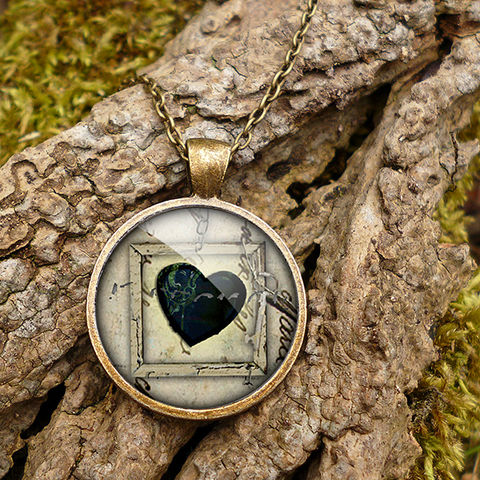 Black,Heart,No.1,Large,Necklace,(RR04),jewellery, jewelry, handmade, brass, necklace, vintage, glass, cabochon, steampunk, victorian, heart, black, gothic