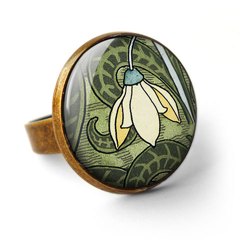 Snowdrop,Ring,(AN05),jewellery, jewelry, handmade, brass, ring, vintage, glass, cabochon, art nouveau, flower, snowdrop, cream, green