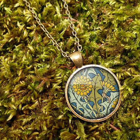 Dandelion,Large,Necklace,(AN04),jewellery, jewelry, handmade, brass, necklace, vintage, glass, cabochon, art nouveau, flower, dandelion, yellow, blue