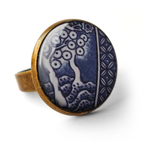 Willow,No.2,Ring,(BP07),jewellery, jewelry, handmade, brass, ring, vintage, glass, cabochon, broken pottery, willow, pattern