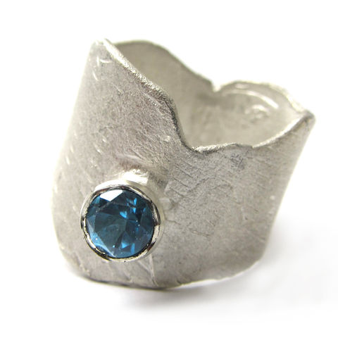 Sculptural,sterling,silver,Ring,with,London,blue,Topaz,cocktail ring, statement ring, london blue topaz, precious jewellery, designer ring, big ring,topaz ring,bespoke designer jewelry, london jeweller, south bank,jedeco, uk handmade