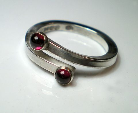 You,and,I,a,Sterling,silver,ring,with,2,garnet,cabochon,gemstones,Jewelry,Ring,mother,birthstone,stacking,adjustable,uk_team,msia_srajd_ebsq,love,europeanstreetteam,red,teamfrench,sterling_silver,ag,925,kalicat,cabochons