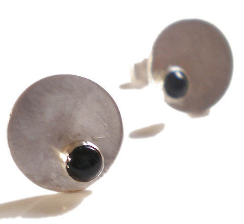 Dotty,Spot,Earrings,sterling,silver,and,Onyx,cabochon,ear studs,black,onyx,Jewelry,jewellery,disk,circle,london,french,simple,gemstones