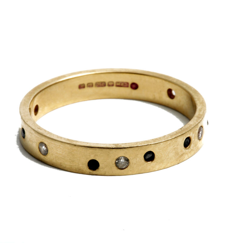 18 carat yellow gold band with black and white diamonds - product images  of