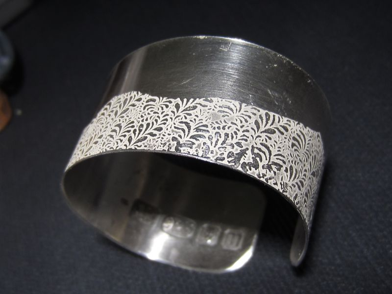 Volutes Photo etched sterling silver Cuff Bracelet with Wave floral pattern - product images  of