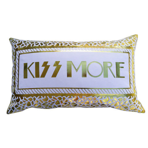 KISS,MORE,Gold,on,white