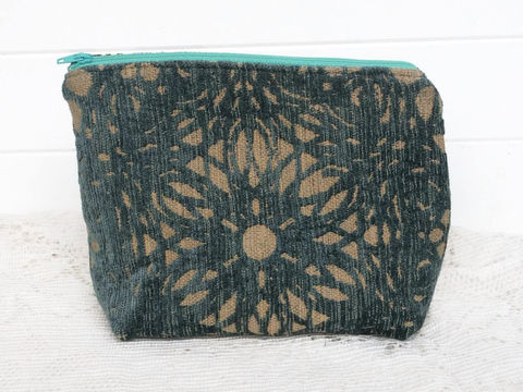 Teal,Cut,Velvet,makeup_case