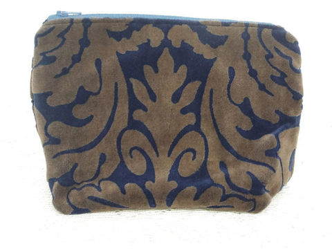 Blue,and,Gold,Velvet,Zippered,makeup_pouch
