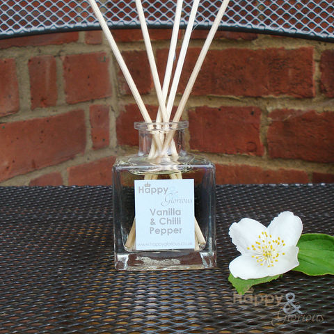 vanilla,and,chilli,pepper,fragrance,reed,diffuser,refill, vanilla, chilli, chilli pepper, Diffuser, Organic, rattan reeds, rattan, reeds, fragrance, oil, recycled, relaxing, glass, scent, scented, made in Britain, British, English, made in the UK