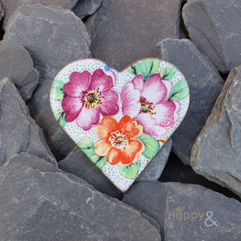 Pink,wild,roses,ceramic,heart,brooch,by,Stockwell,Ceramics,rose, wild rose, brooch, badge, heart, white, pink, orange, handmade, jewellery, flower, Stockwell Ceramics, Britain, British, Made in Britain, England