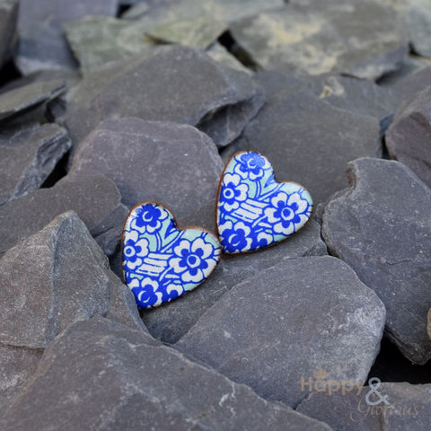 Blue,&,white,heart,shaped,ceramic,stud,earrings,by,Stockwell,Ceramics,blue, earrings, handmade, jewellery, studs, flower, Stockwell Ceramics, Britain, British, Made in Britain, England