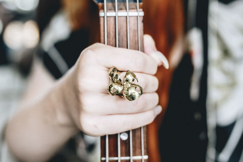 Guitar,Distortion,Ring,Jimmi,Hendrix,ring, gold, 18ct, Hendrix, guitar, sculptural, synaesthesia, jewellery, art jewellery, contemporary jewellery, jewelry, studio jewelry,