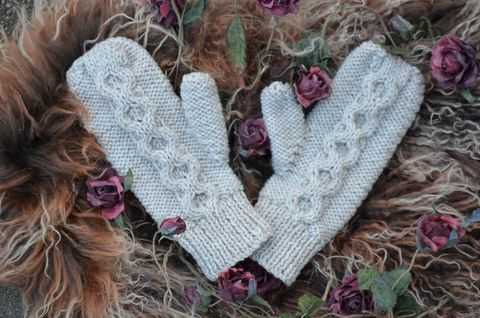 Now,50%,Off,-,Hand,Knitted,Aran,Mittens,in,Chocolate,palace london, palace, mittens, knitted mittens, handknit mittens, aran mittens, hand knit mittens