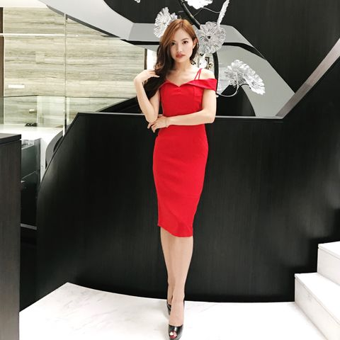 (PREORDER),Kate,Dress,in,Red