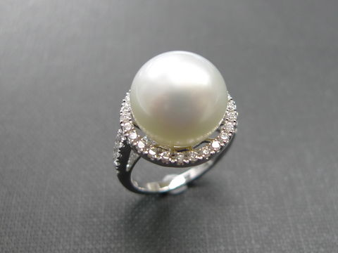 Pearl,Diamond,Ring,Jewelry  Ring  bride  anniversary  white gold  classic ring  wedding diamond ring  engagement ring diamond ring  diamond wedding ring  engagement diamond  pearl ring  white pearl ring  natural pearl ring pearl diamond ring