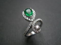 Diamond & Emerald Ring - product images 5 of 6