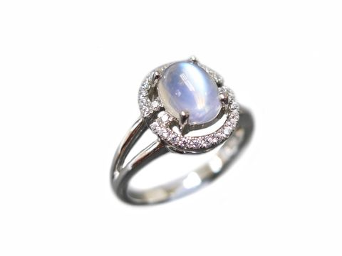 Oval,Moonstone,Ring,moonstone ring, moonstone engagement ring, moonstone jewellery, moonstone jewelry, moonstone wedding ring, moonstone band