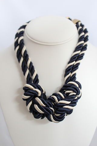 Sailor's,Knot,Necklace