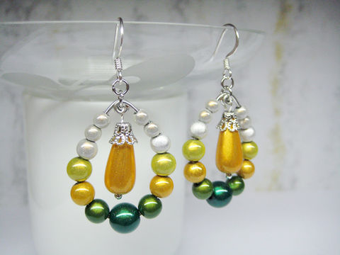 Yellow,and,Green,Peacock,Earrings,yellow green earrings, teardrop shape earrings, peacock earrings, pear shape earrings, green yellow white earrings, sheen earrings, sheening bead earrings