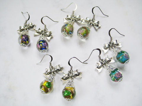 Large,Ornament,with,Ribbon,Lampwork,Earrings,(3,colors,available),ornament earrings, glass bead earrings, lampwork earrings, ribbon earrings, yellow ornament earrings