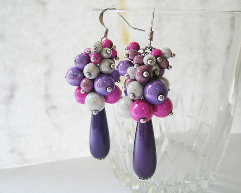 Purple,Pink,White,Sheening,Beads,Cluster,Earrings,purple pink white earrings, pink purple white earrings, violet pink white earrings, cluster earrings, sheening beads earrings, hot pink purple white, purple magenta white