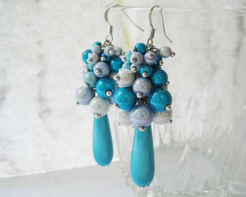 Turquoise,White,Sheening,Beads,Cluster,Earrings,turquoise earrings, turquoise white earrings, turquoise teardrop earrings, sheening beads earrings, blue white earrings