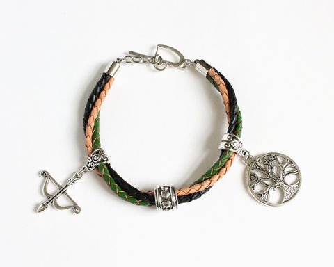 Outlaw,Queen,Leather,Bracelet,(OUAT),outlaw queen bracelet, once upon a time bracelet, ouat bracelet, ouat outlaw queen, leather bracelet, ouat leather bracelet, leather bracelet with charm, ouat evil queen, ouat robin hood, ouat regina, once upon a time regina, regina bracelet