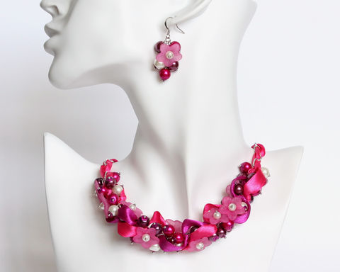 Hot,Pink,Dark,Magenta,Flower,Bridesmaid,Cluster,Necklace,and,Earrings,Set,hot pink bridesmaid necklace, hot pink bridesmaid jewelry, magenta bridesmaid necklace, magenta bridesmaid jewelry, pink magenta cluster necklace, pink magenta pearl necklace, pink flower necklace earrings set, bridesmaid jewelry set