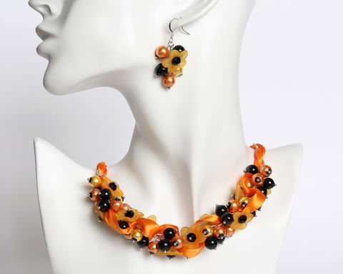 Halloween,Orange,Flower,Cluster,Necklace,and,Earrings,Set,halloween necklace, halloween jewelry set, halloween costume, orange black necklace, halloween orange necklace, black orange jewelry set, orange flower necklace, orange black cluster necklace