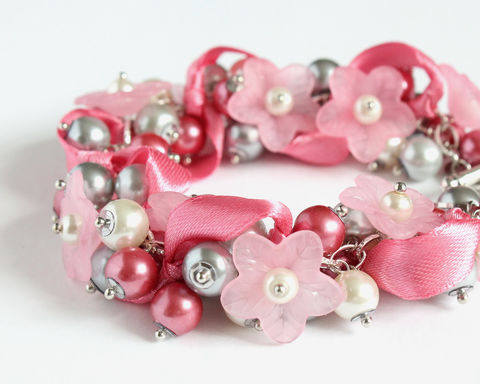Pink,Gray,White,Flower,Cluster,Bracelet,and,Earrings,Set,pink bracelet, pink flower bracelet, pink pearl bracelet, pink cluster bracelet, pink gray white bracelet, pink gray white pearl bracelet, pink gray white cluster bracelet, pink jewelry set, pink bridesmaid jewelry set, pink bracelet and earring set
