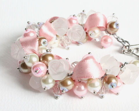 Pink,Camel,White,Bridesmaid,Cluster,Bracelet,and,Earrings,Set,bracelet earring, cluster bracelet, pearl bracelet, pearl cluster bracelet, flower cluster, brown pink white bracelet, camel pink white bracelet, pink brown white, white rose bracelet, pink brown white bridesmaid bracelet
