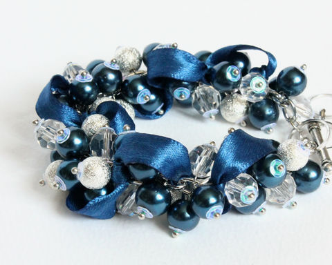 Navy,Blue,Pearl,Cluster,Bracelet,and,Earrings,Set,navy blue bracelet, navy blue pearl bracelet, navy blue cluster bracelet, dark blue pearl bracelet, dark blue bracelet, navy blue jewelry set, dark blue jewelry set, navy blue bridesmaid jewelry