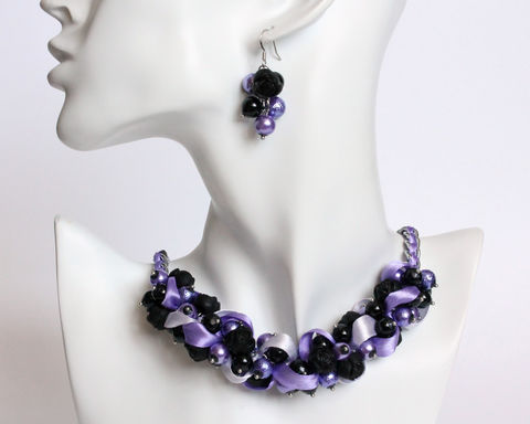 Purple,Lavender,Black,Rose,Cluster,Necklace,and,Earring,Set,purple black cluster necklace, purple black pearl necklace, violet black cluster necklace, violet black pearl necklace, purple lavender black rose necklace, purple pearl necklace, purple black pearl ribbon necklace, purple black necklace earrings set
