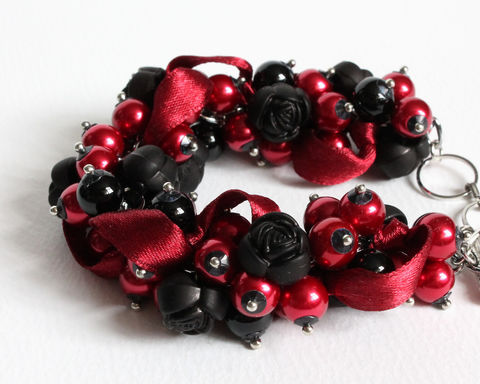 Black,Red,Rose,Cluster,Bracelet,Earrings,Set,Black red cluster bracelet, wine red bracelet, dark red bracelet, dark red black cluster bracelet, black rose bracelet, black rose cluster bracelet, black and red jewelry, black and red bracelet, black and red cluster bracelet, dark red cluster bracelet